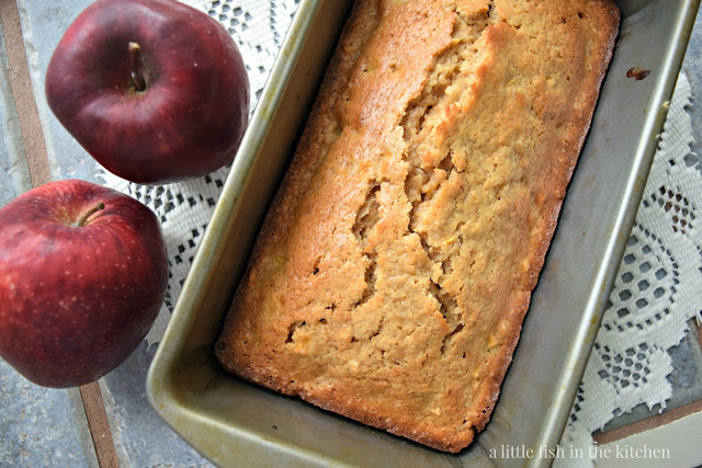 Old-Fashioned Spiced Apple Quick Bread