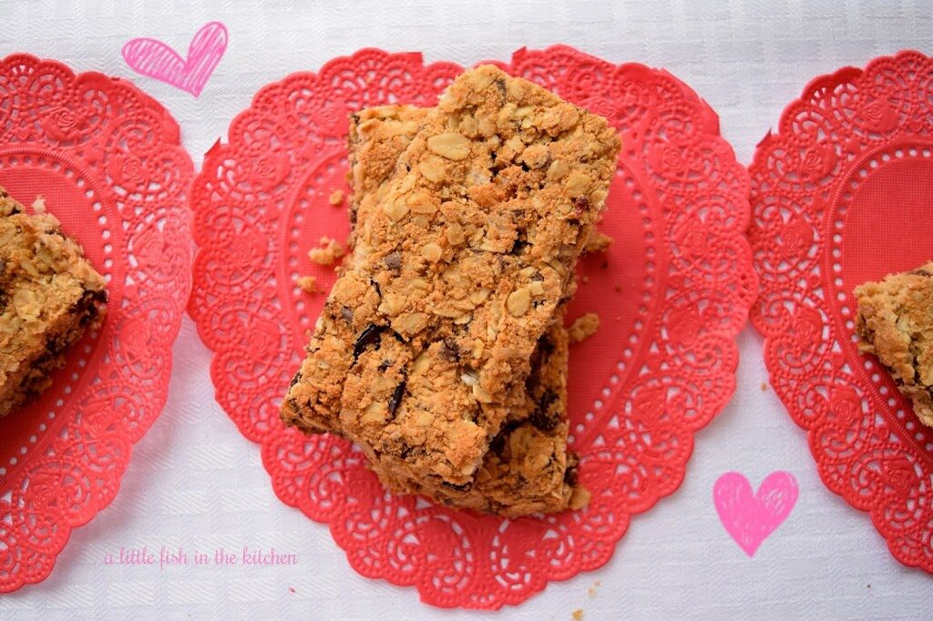 Chocolate Chip and Cranberry Granola Bars #FoodBloggerLove
