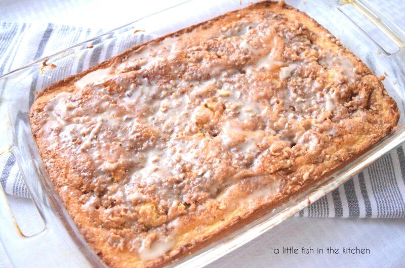 Old-Fashioned Honey Bun Cake